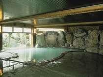八湯十快のひとつ:長寿大岩風呂『やくしの湯』