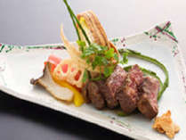 松坂牛と神戸牛の素牛となる但馬牛。肉質はジューシーで旨味があり、適度な歯ごたえが最高品質の証し