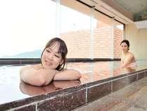女性展望大浴場パールレインボー。お湯に浸かりながら夕日を堪能!