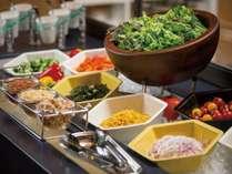 朝から新鮮な野菜をたくさん食べて、元気に一日を過ごしましょう♪