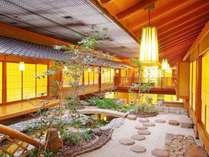 料亭浮城・屋内庭園