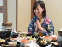 美味しいお料理に思わず笑顔♪季節の会席料理をご提供します。