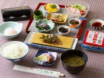 季節の御膳&馬刺しと地元野菜( 朝食 )