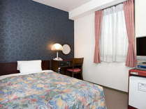 シングルスタンダードは12~15平米ベッド幅120~140cm
