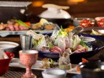 夕食は味だけでなく、その味を最大限引き出すための演出にもこだわっております。