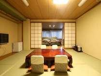 <和洋室>10畳の和室とツインベッド