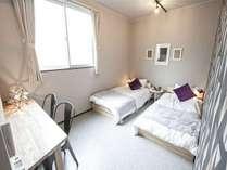 Room 3 寝室2階/シングルベッド