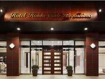 ★夜の外観★(ホテル入口)