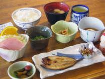 *朝食一例/和朝食を、朝陽が清々しいレストランにてご用意いたします。