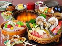 鳩山荘松庵開業以来愛され続けている炭火焼会席。新鮮なお造りも(お造り、焼物は2名様盛)