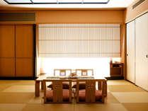 徳島空港からの送迎も無料♪和室スイート。お部屋でDVDなども鑑賞頂けます。