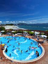 プライベートビーチ&ガーデンプールで夏満喫のリゾートステイを