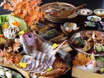 秋の味覚・紅葉鯛会席。産卵を控え、脂がのり、一年でもっとも美味ともされている。
