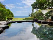 爽やかなじながら、美肌の湯でリラックス。目の前には淡路島まで見渡す絶景が広がる
