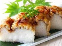 レストランにより違う、料理長から旬の贈り物…♪巴はもの棒寿司は「彩」限定☆