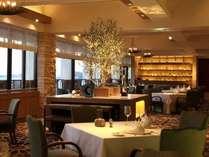 海辺の古城をテーマに全面改装♪新しくなったレストランでお箸でいただく「フレンチ懐石」はいかが?