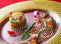 伝統的なフランス料理の調理法で仕上げたガラディナーで優雅なひと時をお楽しみください/イメージ例