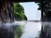 1F露天風呂「縹」檜の湯