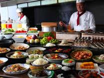 地元の食材を使った和・洋バイキング 6:30~10:00