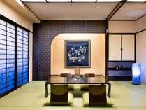 徳島県の伝統文化、伝統産業である「阿波藍」で彩られた空間で「阿波藍」が織りなす世界へいざないます