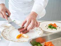 *【フレンチコース】季節の食材を丁寧にシェフが盛り付けを致します。