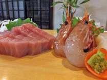*夕食一例/素材にこだわった新鮮な海の幸をお造りでお出しします。