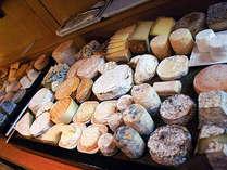 チーズは全てフランスより取り寄せ、本場の贅沢な味わいをお楽しみ下さいませ。