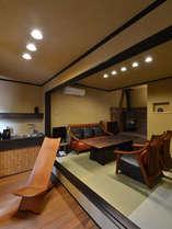 縁結び:メゾネット1階は会食部屋。