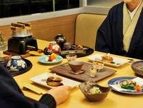 【夕・朝食付】《和食処・美泉遊膳》落ち着いた空間で味わう旬の和食膳