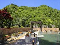 2階【希みの湯】大露天風呂 自然を眺めながらリラックス