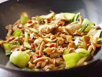 【夕食バイキング9-11月】木野子と鶏肉のオイスター炒め