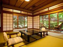 貸切風呂を優先的に堪能できる最も広い客室の若葉(和室10畳+6畳)