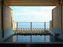 【展望の貸切露天風呂】 空と海、抜群の眺望でございます