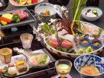 厳選された季節の『山海の幸』を自慢の京風懐石料理でお召し上がりください。