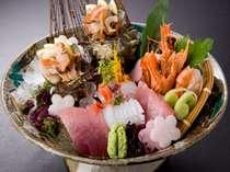 別注料理:季節の魚造り(写真は2名盛り)※季節により内容・器が変わります