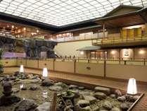 2階ロビー館内散策をお楽しみください。