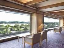 3階見晴らしロビー:英虞湾の風景をゆったりとお楽しみください。