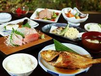 房総産の海の幸をふんだんに使用したお料理をご堪能下さい。