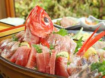 贅沢な新鮮魚介の舟盛♪