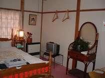 和洋室6畳W1部屋名氷壁