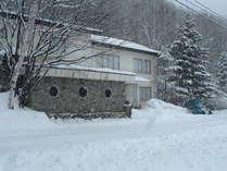 冬の当館外観