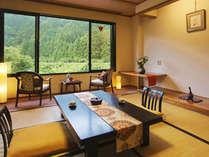 【山側和室10畳】 桜や紅葉など『季節の移り変わり』を間近に♪4月~12月の土・日・祝日はSLも!
