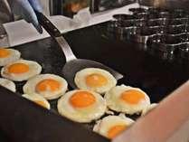 朝食一例【ライブキッチン】で目玉焼き