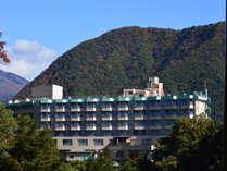 渓谷沿いに建つ鬼怒川ロイヤルホテル