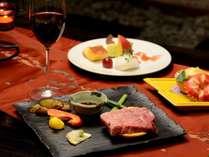 鹿児島県産黒毛和牛ステーキ。鉄板で焼いてお召あがり頂きます。