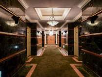 *クラブハウス客室入口