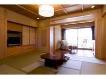 湖畔別邸 千一景 グランドスイート(一例):富士の全景と湖一望