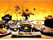 とっておきの記念日をお過ごしいただくために、料理長が真心込めて創作した会席料理をご堪能下さい♪