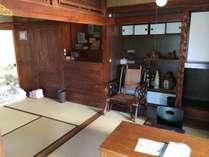 和室二室。グループ・多世帯ファミリーのお客さまに好評です。