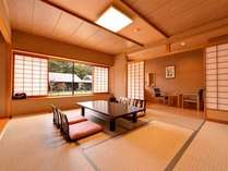 *和室10畳(客室一例)/畳の香りがほのかに薫るお部屋で家族団欒のひと時をお過ごし下さい。